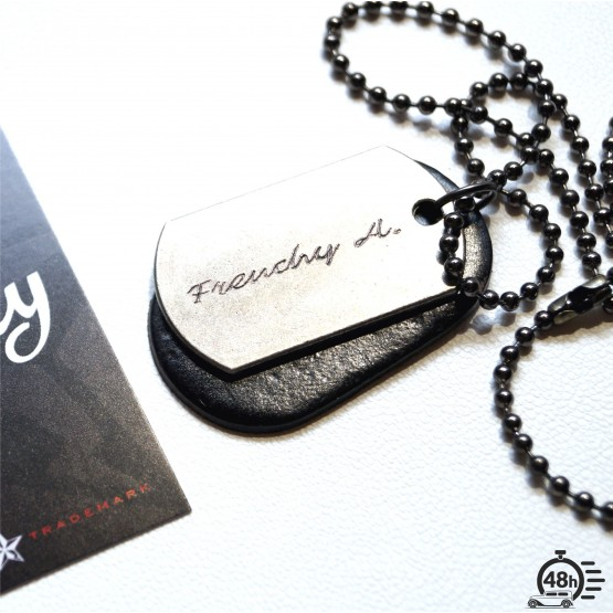 necklace signature